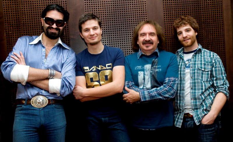 Headline Band 2009